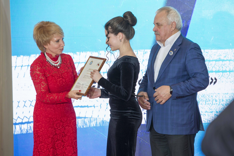 """Вручение Екатерине Родиной премии """"Дебют"""""""