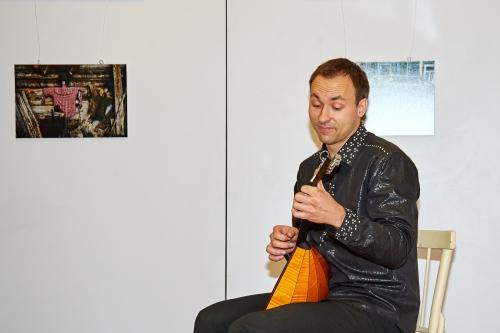 Музыкальный гость – солист самарской филармонии Дмитрий Буциков.