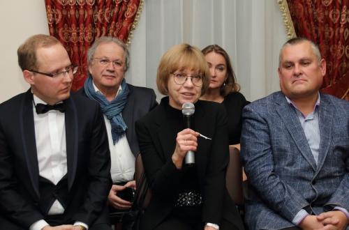 Дочь Эдуарда Кондратова Лариса