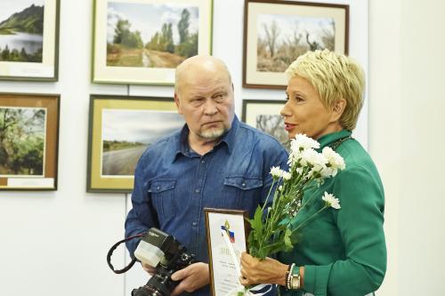 Сергей Курочкин получает награду