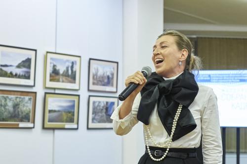 Музыкальный подарок юбилярам и всем гостям от Натальи Бондаревой