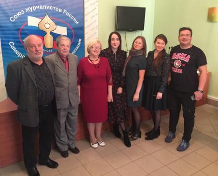 Участники встречи. в том числе и выпускники В. Симатовой