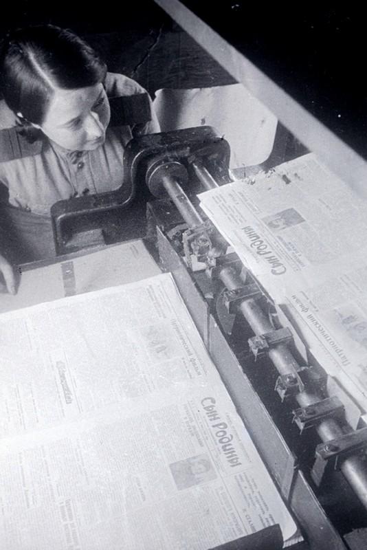Выпуск армейской газеты «Сын Родины». 3-й Белорусский фронт, 1945 г. Автор фотографии: Максимов